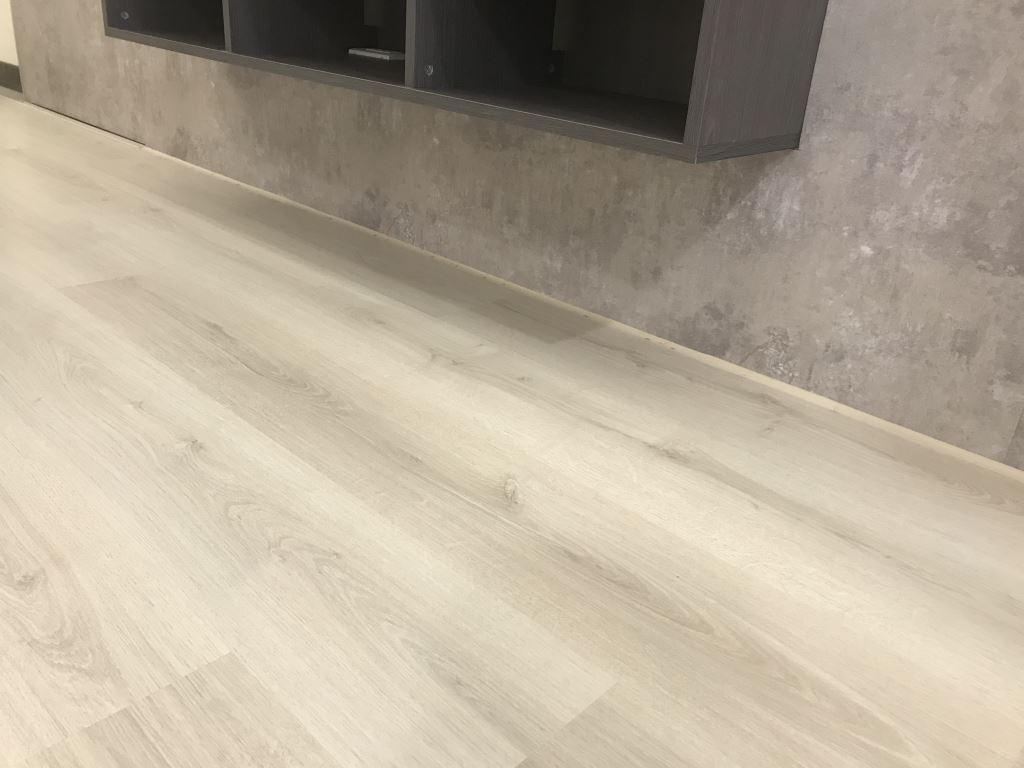 台中窗簾-地板